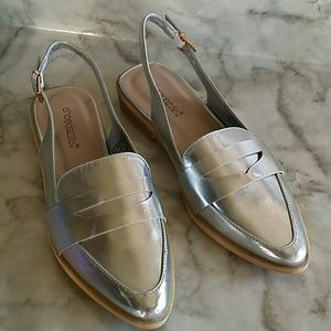 Shoedazzle flat silver mules 8